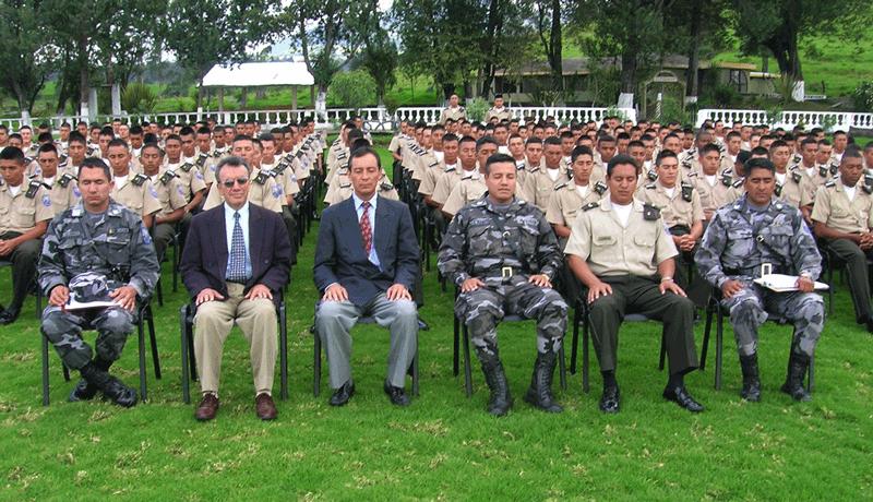 militaer-meditiert-151128